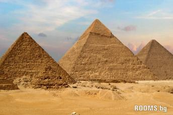 Egyptian pyramids, Picture
