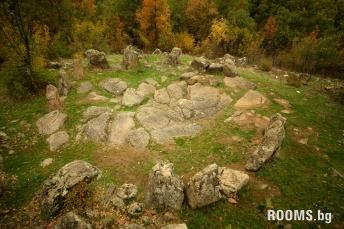 Thracian kromleks the village Dolni Glavanak, Picture