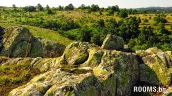 "Thracian Suns trail and ""shabby hole"", Picture"