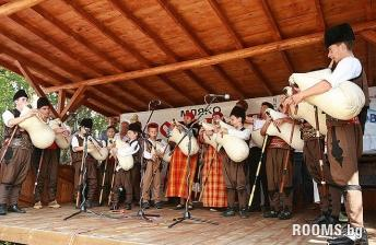 Bagpipe Contest in Gela, Picture