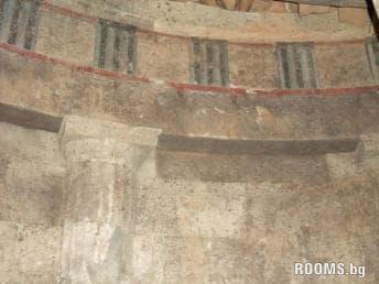Тракийски храмов комплекс - Старосел, Снимка