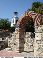 Fortified walls and ancient ruins in Sozopol, Picture 4